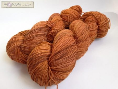 Hand dyed 85% superwash merino 15% Silk 400m