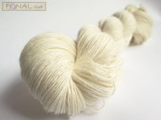 100% Superwash Merino natúr fonal - (366m / 100g)