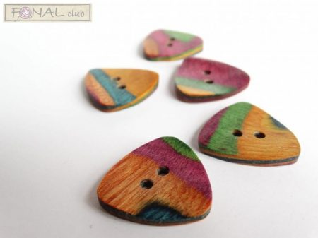 Knitpro curved triangle button (25mm)